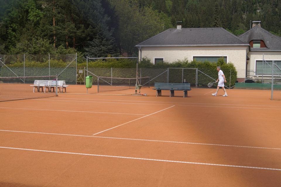 Felsenkeller - Tennisplatz